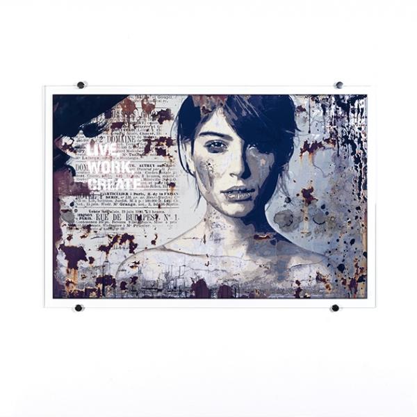 Crying Girl | Collection RIOU Glass x RWA